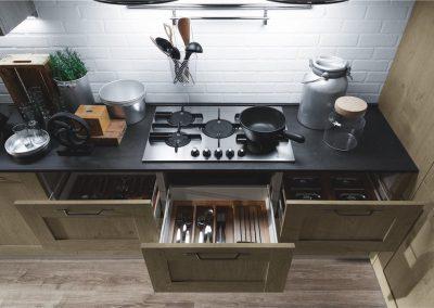 03-cucina-moderna-ego-con-vani-a-giorno-1024x683