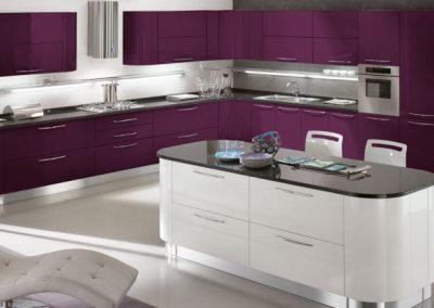 05-cucina-moderna-gaia_bianco_melanzana-1024x432