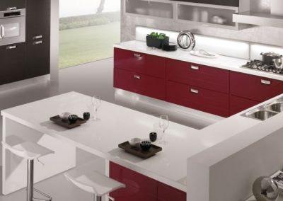 06-cucina-moderna-egle-bordeaux_weng-1024x432