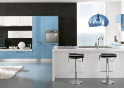 08-cucina-moderna-gaia-bianco_blu-pastello-1024x432