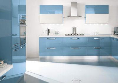08bis-cucina-moderna-gaia-bianco_blu-pastello-1024x432