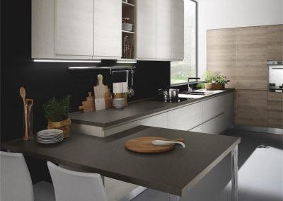 cucina-moderna-luna-tavolo-penisola-768x1024