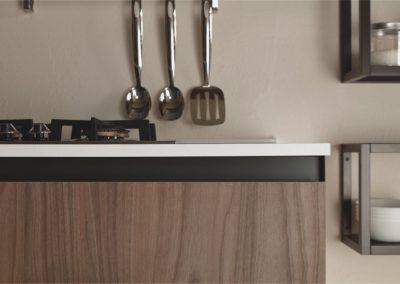cucina-moderna-zen-alternanza-colori-chiaro-scuro